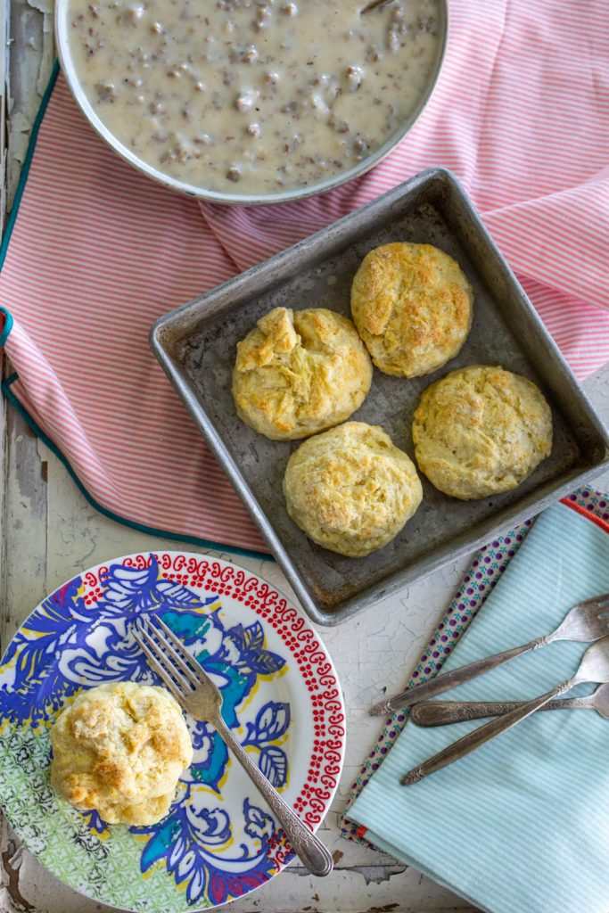 Easy Biscuits and Gravy