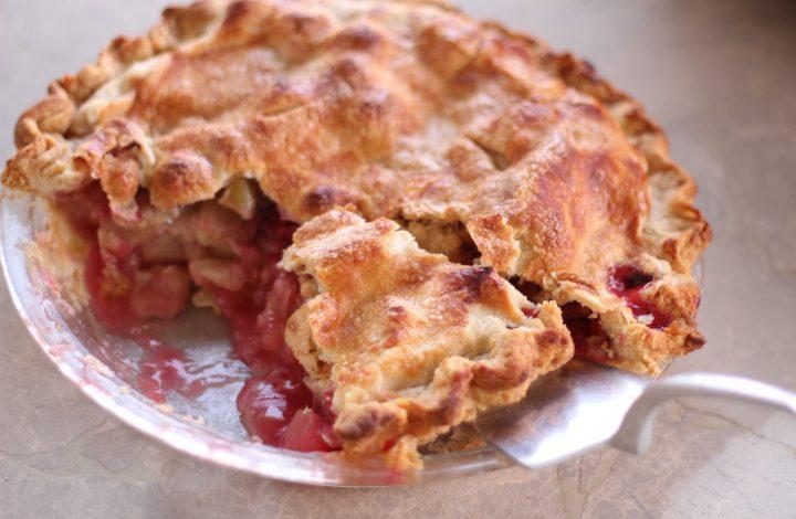 Fresh Apple Cranberry Pie