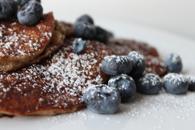 Blueberry-Oatmeal Buttermilk Pancakes