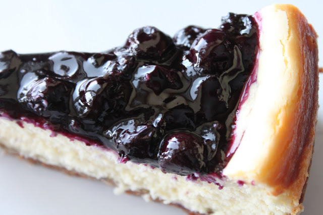 White Chocolate Blueberry Cheesecake with Ginger Cookie Crust - A ...