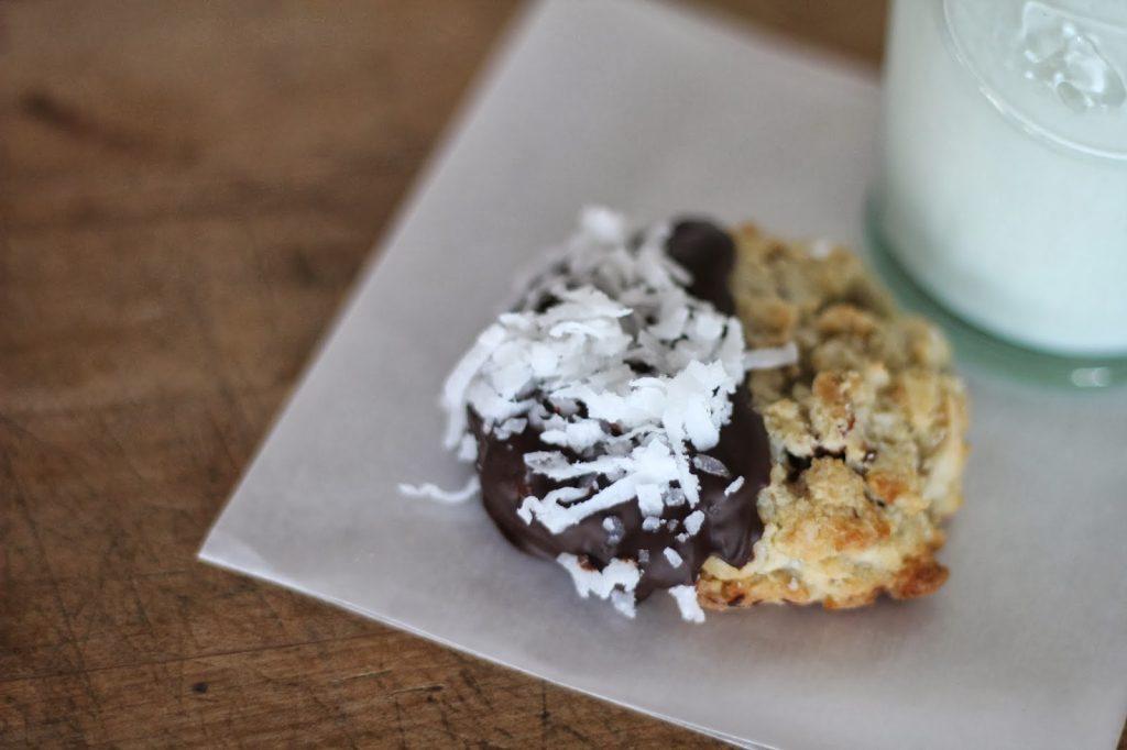 Joyous Almond Cookies