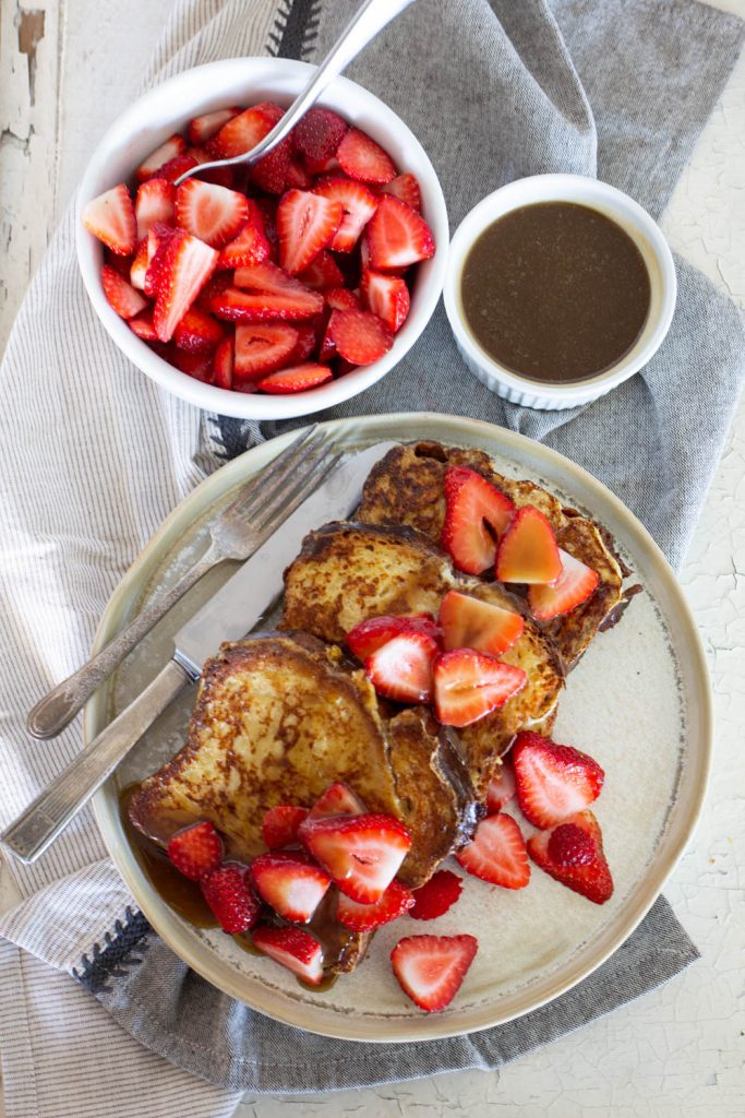 Creme Brulee French Toast with Creamy Maple Syrup (Cheesecake Factory Copycat)
