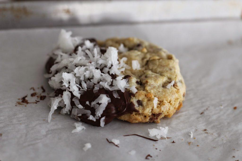 Joyous Almond Cookie