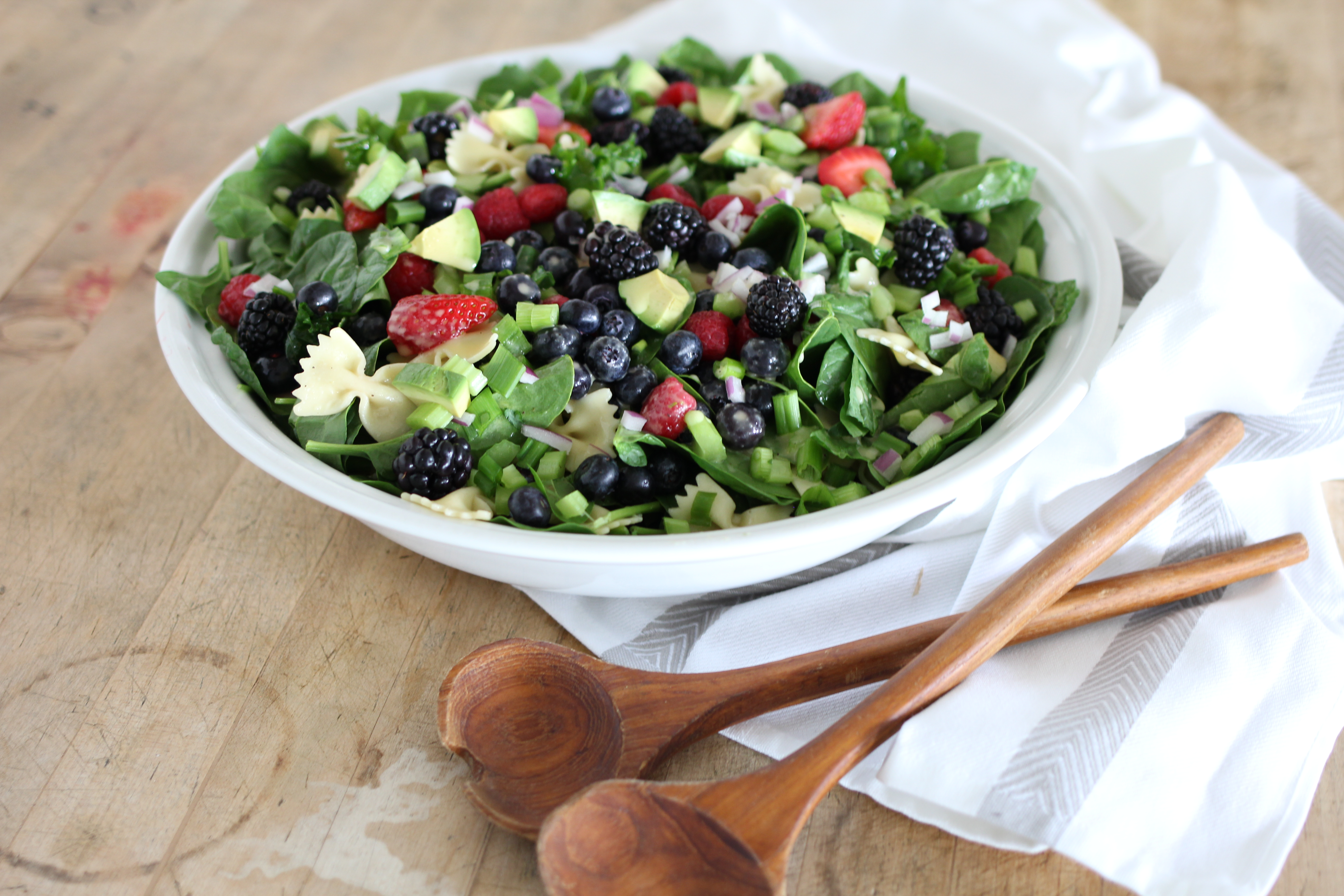 Springtime Spinach and Pasta Salad with Creamy Citrus Dressing