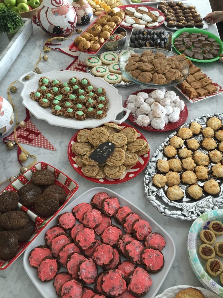 How to Host a Simple, No Stress Christmas Cookie Exchange!
