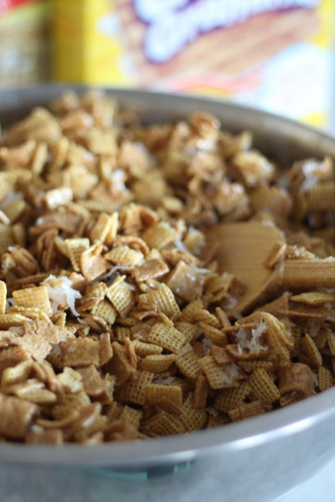 Chex Mix Treat with Coconut, Almonds and Golden Grahams