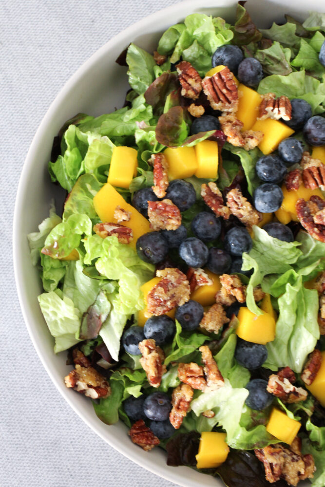 Fresh Blueberry and Green Salad
