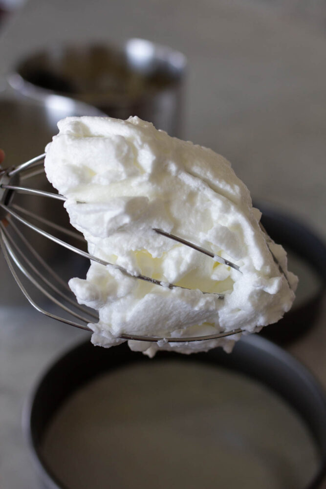 how to beat egg whites until stiff for cake batter