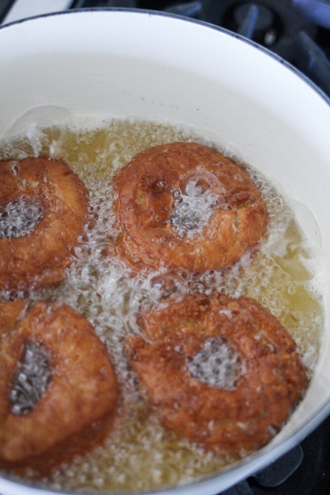 How to fry donuts